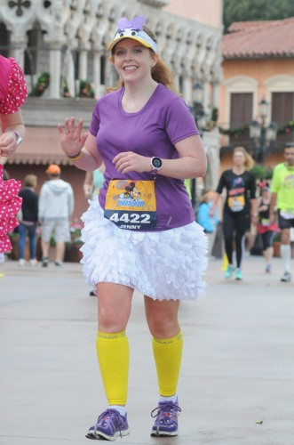 Daisy Duck Running Costume